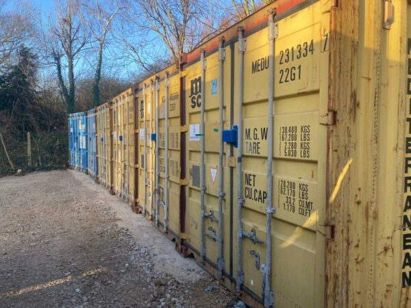 20ft Used Containers for sale United Kingdom Row