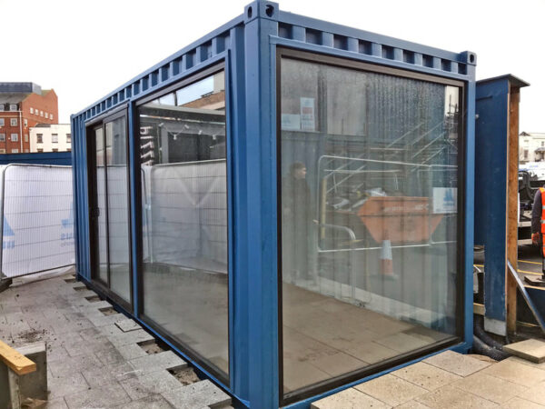 retail and restaurant customised containers uk